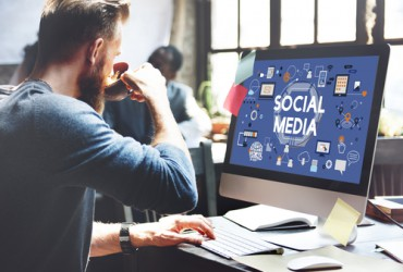 How Social Media Affects the Workplace